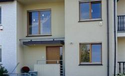 Dom bezpieczny podczas urlopu. Jak ustrzec dom przed włamaniem?