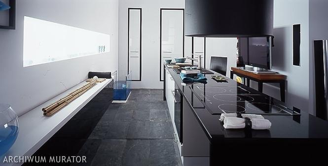 Czarno biała kuchnia  nowoczesne aranżacje białych kuchni z czarnym akcentem   -> Kuchnia Bialo Czarno Drewniana