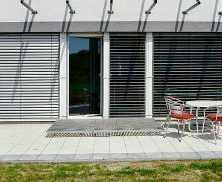 Żaluzje okienne - nowoczesny i tani sposób osłaniania okien