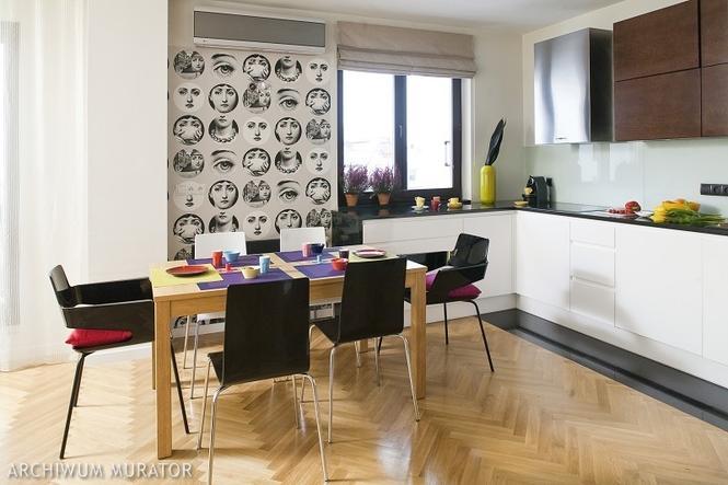 Tapeta w kuchni - biało-czarne głowy