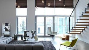 Domowe porządki. Sposoby czyszczenia żaluzji, rolet, plis i paneli okiennych