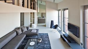 Przestronne wnętrza w stronę minimalizmu. Galeria zdjęć nowoczesnego domu