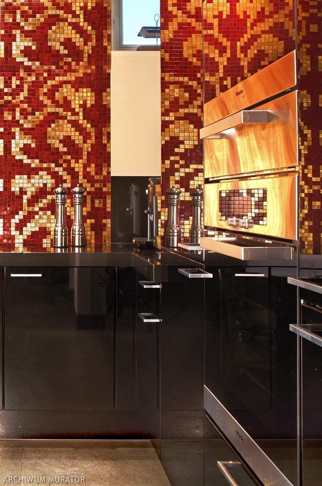 Kuchnia na wysoki połysk z mozaiką