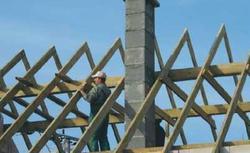 Zasady budowy kominów systemowych. Montaż wkładu kominowego i obudowy kominowej