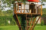 Jak zbudować drewniany domek na drzewie? Zasady, o których musisz pamiętać