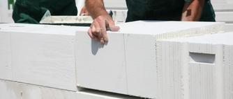 Budowa domu energooszczędnego z betonu komórkowego. Jakich błędów należy unikać?