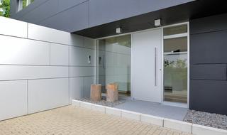 Nowe standardy izolacyjności cieplnej. Drzwi zewnętrzne ThermoCarbon i TermoSafe
