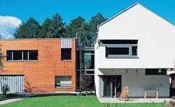 Dom murowany czy dom drewniany: dopasuj projekt domu do własnych potrzeb