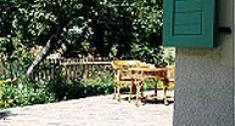 Meble do altany w ogrodzie. Jakie meble wybrać do altanki